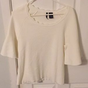 New Direction Beautiful white bell sleeves top